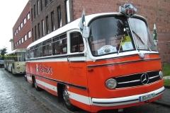 2016-05-04 Mercedes bus_03