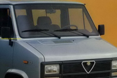 2021-04-07-Alfa-Romeo-folder_1