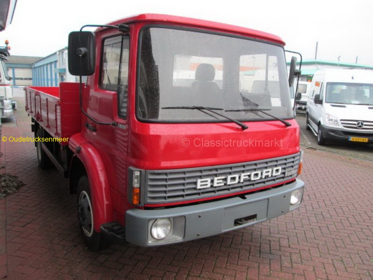 2016-11-25 Bedford T750 1989