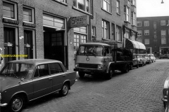 2012-12-09 Bedford Bloemkwekersstraat spuiterij 1969 GA