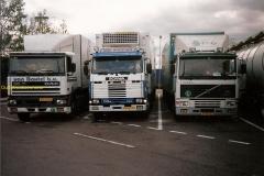 2013-04-01-Gr-foto-met-van-maanen-pauze-in-frankrijk-DAF-95-360-en-SCANIA-113-360-1994