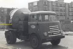 2017-10-03 Daf J.Blom 2017-05-25 Daf van 1959 tot 1963 chaufeur bij de BMT op betonwagen nummer 4