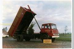 2011-01-17-Bedford-kipper-Gebr-Dijke-Scherpenisse