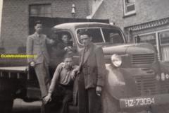 2016-02-25 Dodge van de Fa.J.M.van Reijen ,begin jaren 50,chauffeur Piet Heintjes