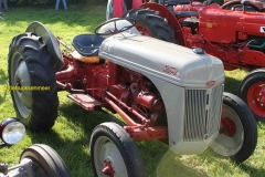 2018-02-03 Ford tractor