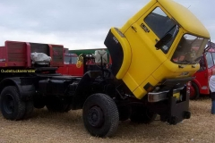 2005-01-01-Ford D1617