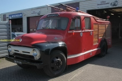 2011-04-12 Ford F 600 2
