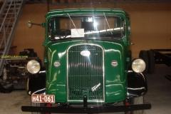 2009-03-31 Fordson 7V UK