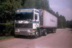 2011-03-25-Volvo-F10