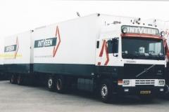 2010-06-18-Volvo-VN-56-SL-INTVEEN