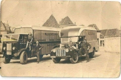 2014-04-22-rechts-Ford-jailbar-links-thornycroft-Sturdy-kloosterhof