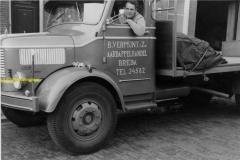 2010-02-07 Krupp - Ko Vermunt van Fessem chauffeur 1959
