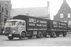 2010-12-20 Krupp frontstuurcombinatie op raadhuisplein Waalwijk 1959
