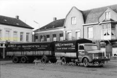 2010-12-20 Krupp torpedo aanhanger voor pand de Bont Markt Waalwijk 1961