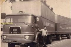 2014-11-26 Krupp 1965 chauffeur Karel Verhaaren