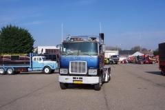 2011-05-01 Mack blauw