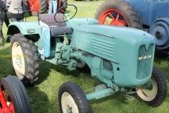2014-11-03-MAN-tractor