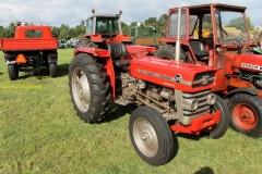 2014-11-03-Massey-Ferguson-tractor-2