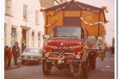 2011-07-15  Mercedes 1513 tijdens carnaval 1972