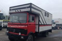2016-04-01 Mercedes LP809