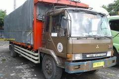 2017-04-23 Mitsibushi truck