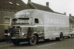 2012-10-22  DAF Verhuiswagen