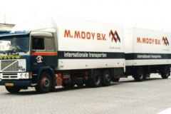 2010-05-07-BY-66-GY-Volvo-F-12