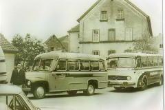 2021-03-27-opel-en-mercedes-bus