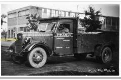 2011-07-10-Ford-V8-1939_2
