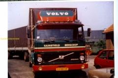 2013-03-15 Volvo F 7 rietveld