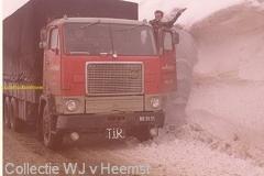 2010-12-21 volvo BB-51-51 iran-sneeuw