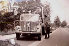 2010-11-05-1956-bij-Deventer-Scania-met-caroussel-draaibank