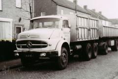 2011-01-08-Mercedes-LK-2620-6x4-uit-1967