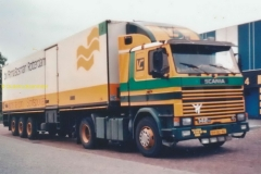 2015-12-01 Scania 142 Vlatrex
