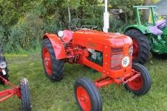 2014-11-03Volvo-Tractor-1