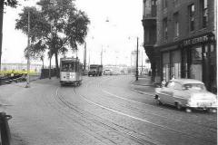 2012-12-13 Volvo titan  Geldersekade tram jaren 50