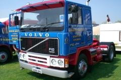 2016-10-29 Volvo F10
