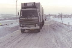 2009-04-04-vooruit-breskens-24-FB-08-Scania-141-chauffeur-J-Dierkx-winter-78-79