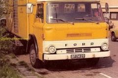 2010-08-01-ford-d-800-1971-z.h.e